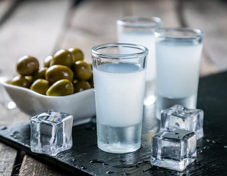Must-Try Greek Drinks