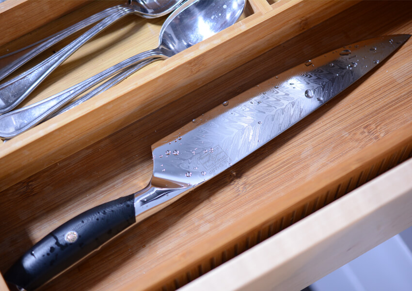 """Kitchen Knife Safety: Not Drying Properly"