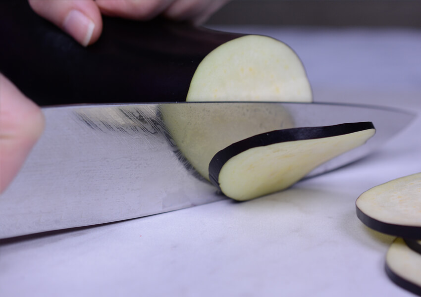 """Kitchen Knife Safety: Using Right Cutting Board"