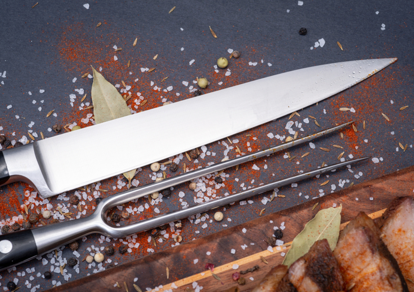 Best Knife for Cutting Meat: Carver