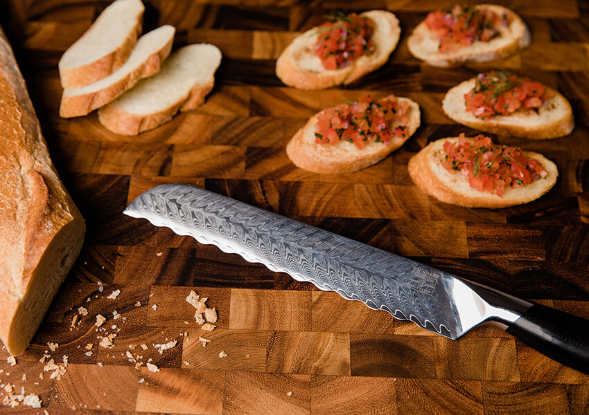Best Bread Knife Edge: Scalloped