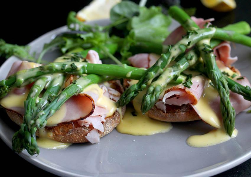 Ham and Asparagus with Hollandaise Sauce