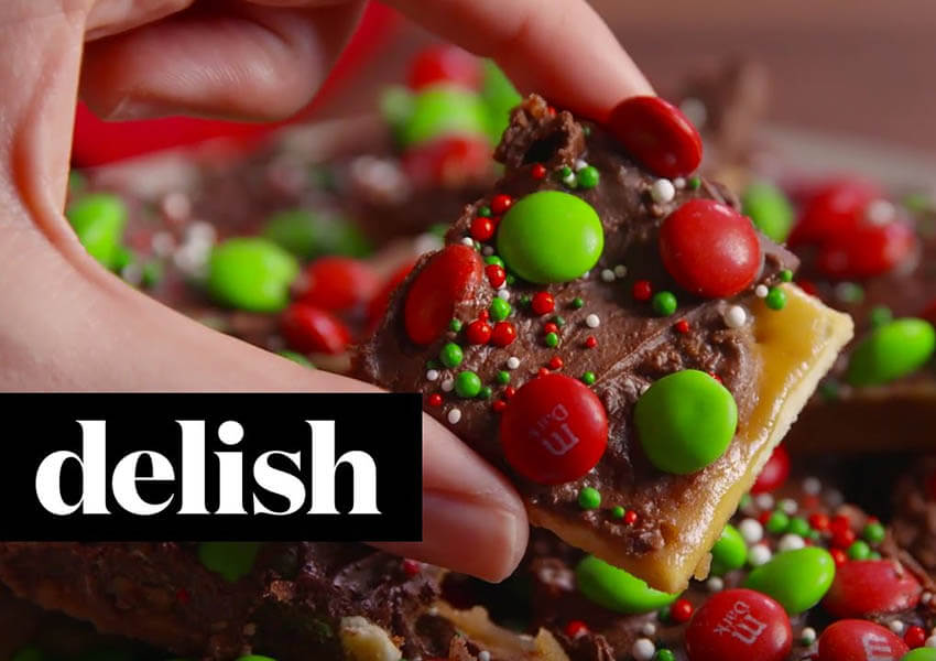 Holiday Desserts: Holiday Crack Candy